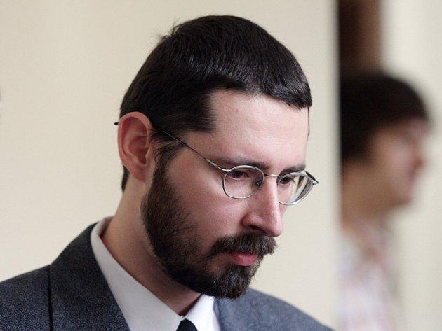 Soud s Jiřím Jungmanem, který v opilosti po vzájemné potyčce dvakrát vystřelit na jiného muže, který na následky zranění zemřel.
