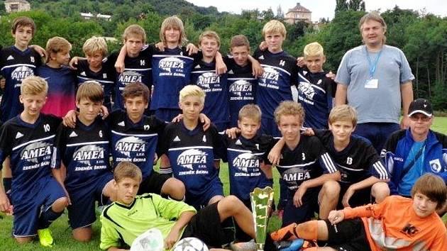 Kolektiv RMSK Cidlina Nový Bydžov (ročník 2000) na turnaji Partners Cup v Ústí nad Labem.
