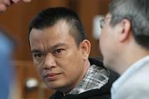 Van Hoa Nguyen z Vietnamu u Krajského soudu v Hradci Králové.