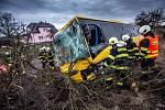 Havárie autobusu v Černčicích.