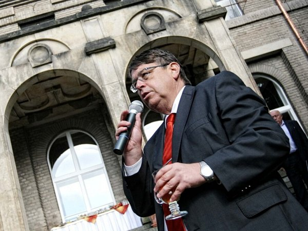 Setkání krajských zastupitelů se starosty měst a obcí Královéhradecka včeskoskalické vile Čerych.
