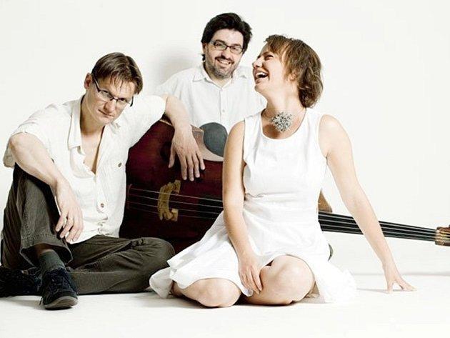 Milli Janatková Trio.