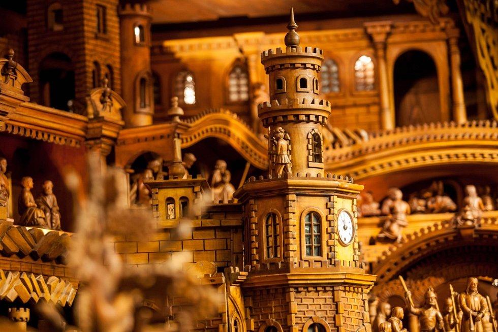 Proboštův betlém v Třebechovickém muzeu betlémů - dřevěný unikát po kompletní rekonstrukci.