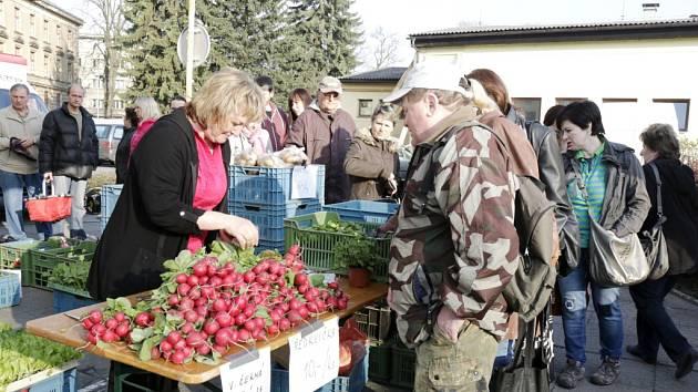 Farmářské trhy v Gayerových kasárnách v Hradci Králové.