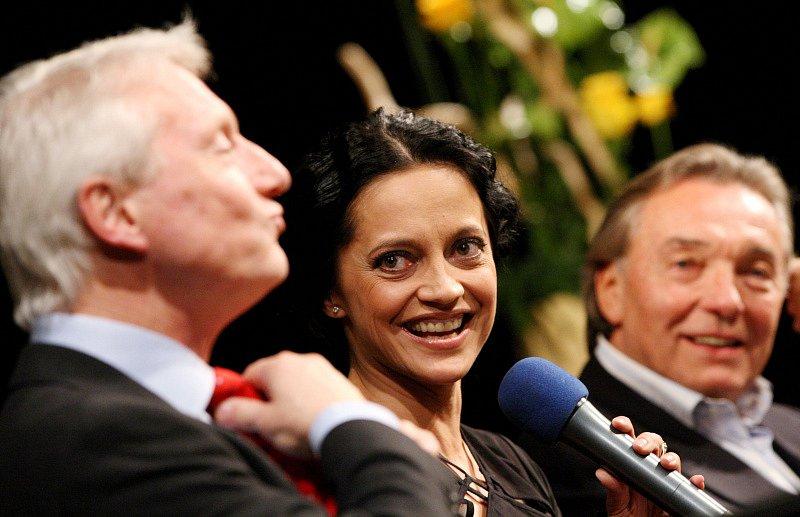 Zleva Ladislav Špaček, Lucie Bílá a Karel Gott.