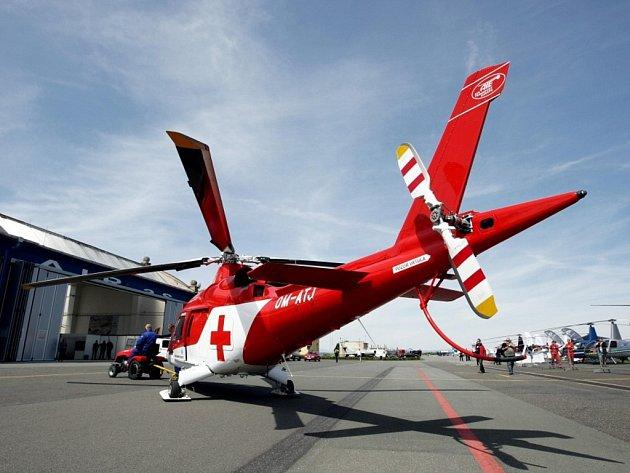 Z programu Helicopter show na královéhradeckém letišti.