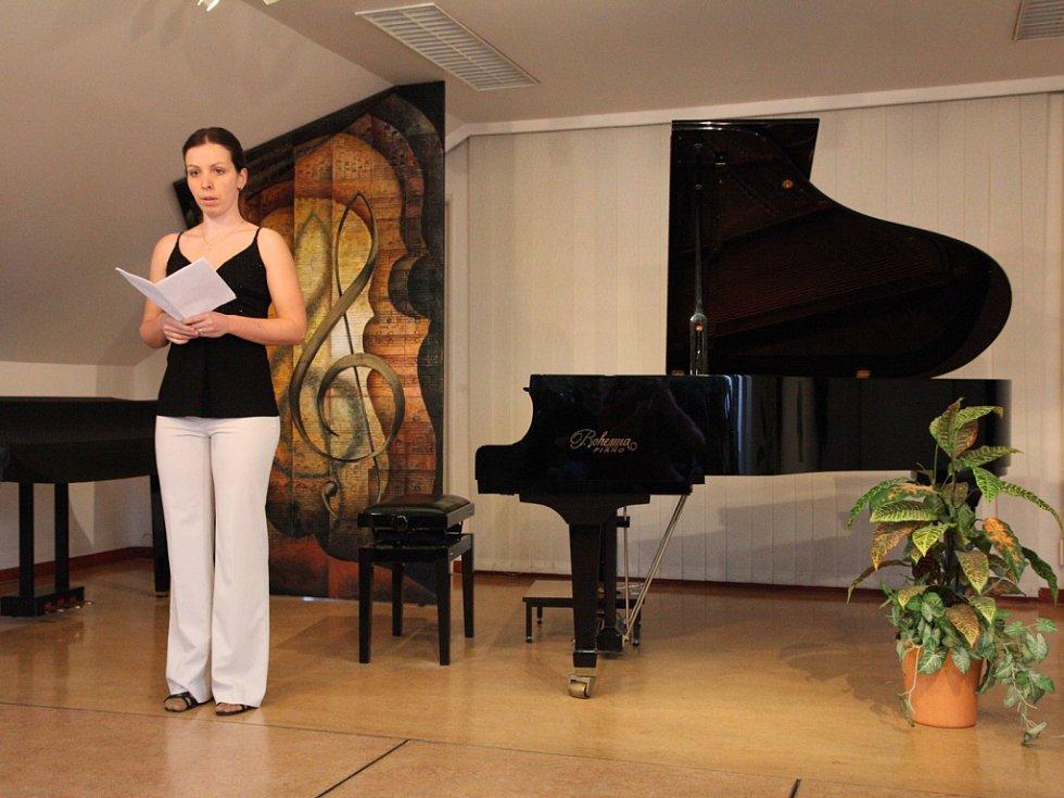 Krajské kolo soutěže ve hře na klavír v ZUŠ Střezina Hradec Králové.