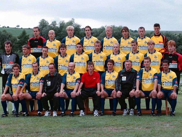 FK Chmel Blšany vroce 1998, kdy hrál I. fotbalovou ligu.