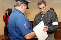 Přepadení pošty ve Starém Bydžově. JR Byl vyrušen policejní hlídkou - střílel.