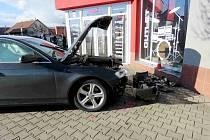 Havarované vozidlo Audi A4 ukradené v Německu, řízené zfetovaným Polákem.