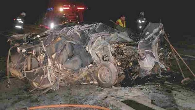 Smrtelná nehoda v Semonicích u Jaroměře.