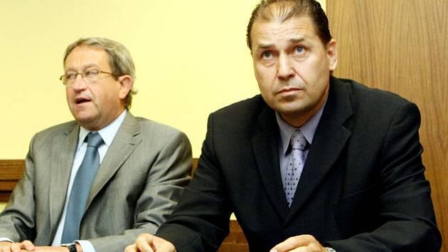 Soud s odpadovým bossem Václavem  Etlíkem