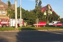 Několik hasičských jednotek zasahovalo 18. září ve Střelecké ulici.