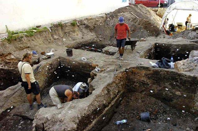 Archeologové provedli řadu průzkumů. O překvapení nemají nouze