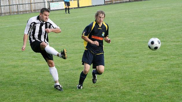 Fotbalová I. A třída: SK Červený Kostelec - TJ Sokol Roudnice.