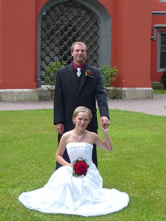 Novomanželé Dočekalovi.