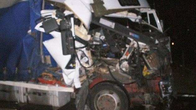 U Holohlav havarovaly čtyři vozy