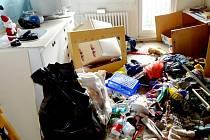 Poničená ubytovna pro matky s dětmi.