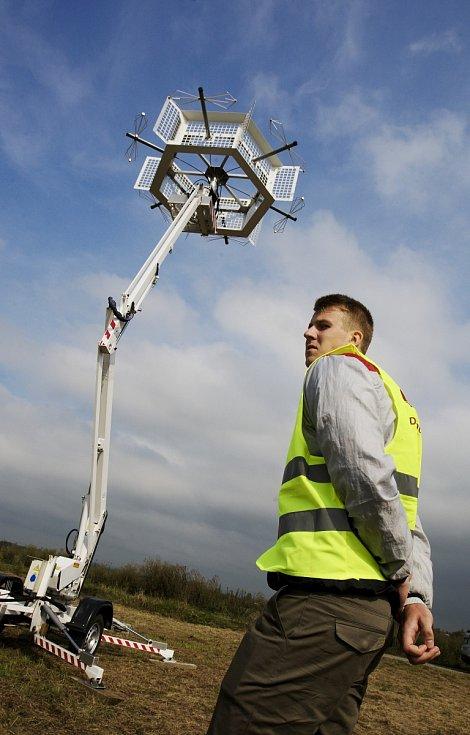 Pasivní radar Tichý strážce na letišti v Hradci Králové.