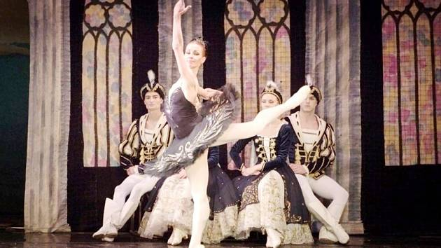 Labutí jezero v podání ruského baletu v královéhradeckém KC Aldis.