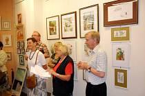 Výstava s názvem Úsměvy, obrazy, grafika v královéhradecké galerii Koruna.