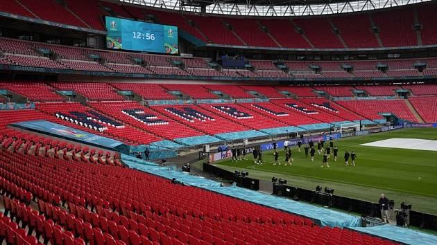 Večerní duel Česka s Anglií bude hostit posvátné Wembley.