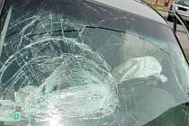 Dopravní nehoda dvou osobních automobilů v Lípě u Všestar.