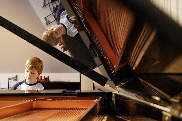 Mladý klavírista Matyáš Novák