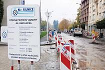 Oprava Buzulucké ulice v Hradci Králové.