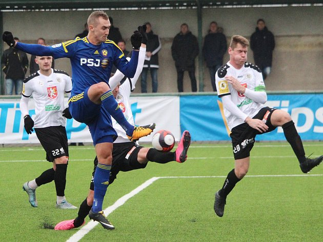 Zimní fotbalová Tipsport liga: FC Vysočina Jihlava - FC Hradec Králové 2:2.
