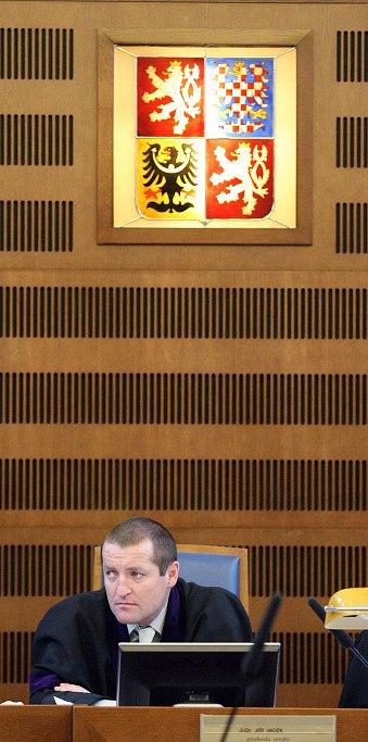 Předseda senátu Jiří Vacek.
