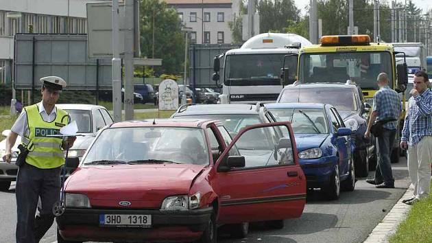 Nehoda způsobila dopravní kolaps