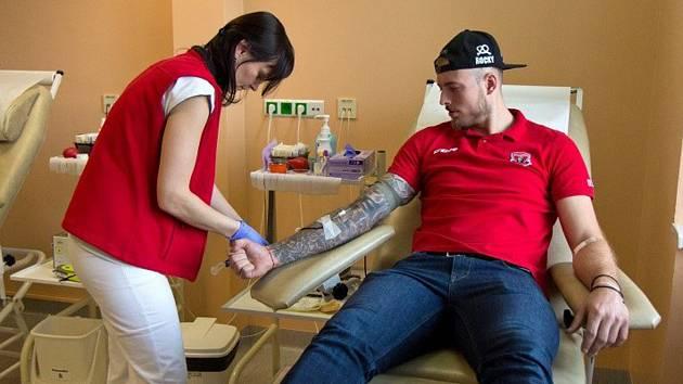 Hokejisté podpořili nábor nových dárců krve.