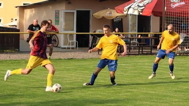 Tipér JAKO OP 5. kolo Jiří Gabriel (Stěžery) vsítil 4 góly během 1. půle v utkání JAKO OP Smiřice - Stěžery (0:5)