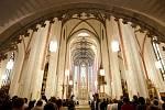 Mše k 20. výročí Královéhradecké diecéze v chrámu sv. Ducha na hradeckém Velkém náměstí.