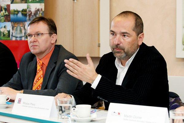 Náměstek hejtmana Miloslav Plass (vpravo)