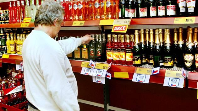 Prohibice je patrná na různých místech. Pije se jen to, co obsahuje méně než 20 % alkoholu.