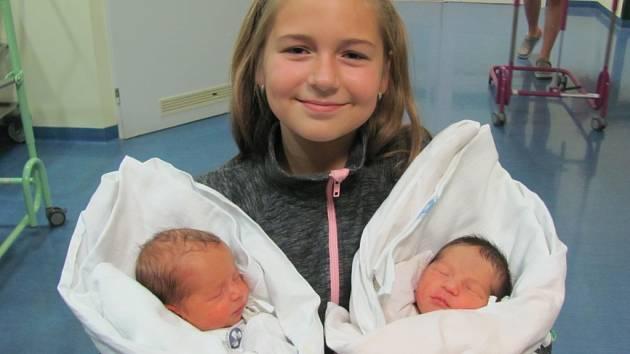 VIVIEN SEIDLOVÁ se narodila v 9.58 hodin  s mírami 47 cm a 2610 g. TOBIAS SEIDL přišel na svět v 9.59 hodin s mírami 48 cm a 2770 g. Potěšili maminku Zuzanu Seidlovou a desetiletou sestřičku Terezku z Libišan.