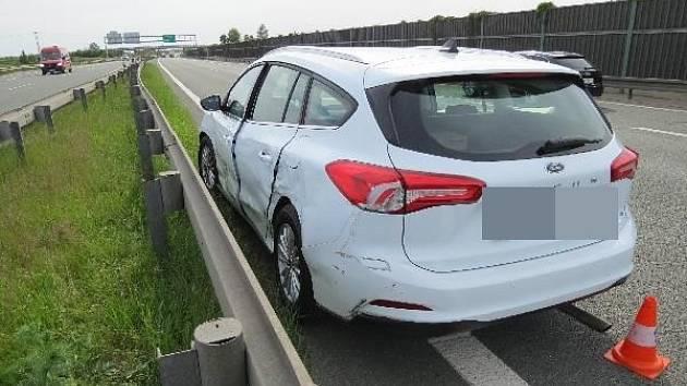 Dálniční nehoda osobáku s náklaďákem