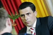 Na tiskové konferenci 20. dubna byl představený nový generální manažer hokejového klubu HC VCES Hradec Králové Aleš Kmoníček.