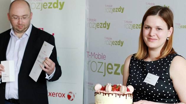 Vítězným projektem soutěže začínajících podnikatelů T-Mobile Rozjezdy za Královéhradecký kraj jsou Makronky Malý Princ Radky Luňákové z Černilova.