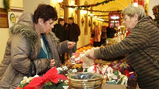 Adventní trhy v Novém Adalbertinu v Hradci Králové.