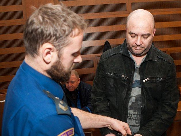 Atanas Vanchev Atanasov u Krajského soudu v Hradci Králové.