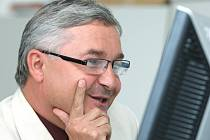Starosta Chlumce nad Cidlinou Miroslav Uchytil při on-line rozhovoru v redakci Hradeckého deníku