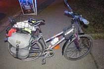 Auto v Buzulucké srazilo cyklistku, řidič ujel.
