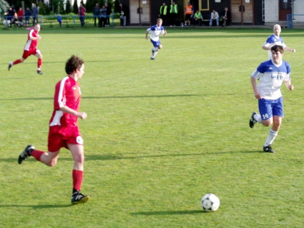 Krajská fotbalová I. B třída, skupina G: TJ Lokomotiva Hradec Králové - SK Janské Lázně.