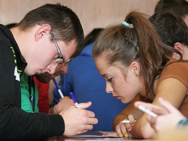 Oblastní kolo mistrovství škol v piškvorkách v Biskupském gymnáziu Bohuslava Balbína v Hradci Králové.