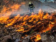 Jeden z letních požárů na Královéhradecku.