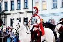 Martin na bílém koni v Hradci Králové.