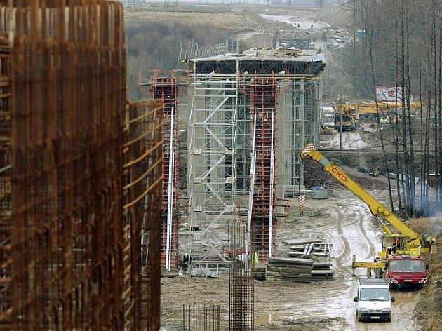 Ředitelství silnic a dálnic ČR pokračuje v třetí a poslední stavbě jižní položky silnice I/14 ve Vamberku.